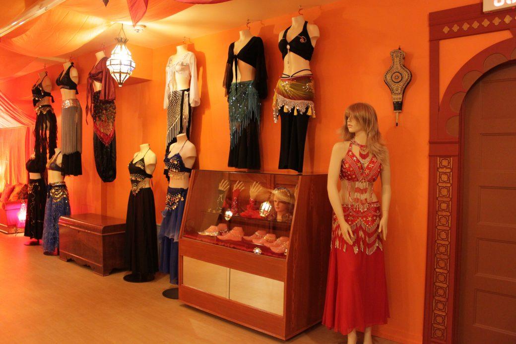 Boutique baladi / Boutique danse orientale offrant une variété de costume de danse orientale et costume de baladi